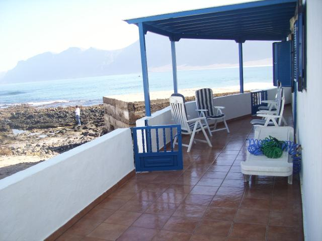 Walk along the cliffs or enjoy the stunning views of the sea and surrounding volcanoes from your terrace. The Villa i
